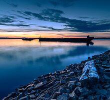 Silhouette of a barge by Esa Heikkilä
