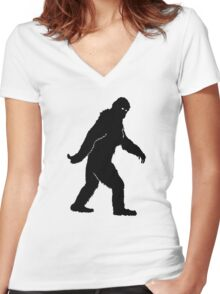 BIGFOOT Women's Fitted V-Neck T-Shirt