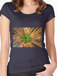 New Growth Women's Fitted Scoop T-Shirt