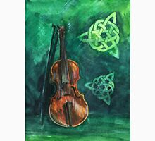 Irish violin (fiddle) on emerald background with celtic ornament Classic T-Shirt