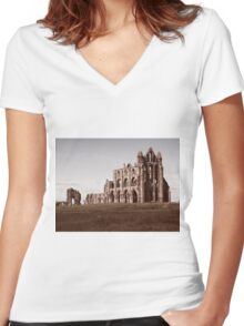 Whitby Abbey Women's Fitted V-Neck T-Shirt