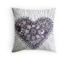 henna style tattoo heart Throw Pillow