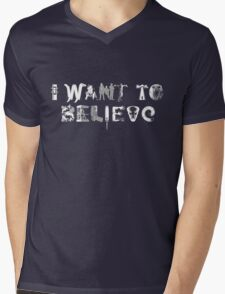 X-Phile: I WANT TO BELIEVE Mens V-Neck T-Shirt