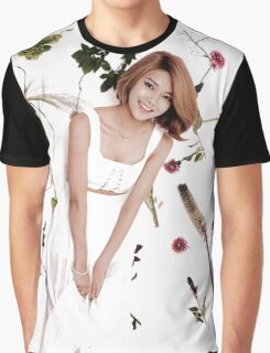Girls' Generation (SNSD) Sooyoung Flower Typography Graphic T-Shirt