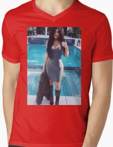 Kylie Jenner Poolside 2 Mens V-Neck T-Shirt