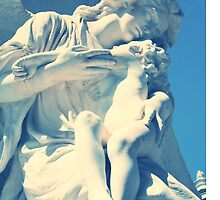 Statue angel and child on the tomb by elgreko