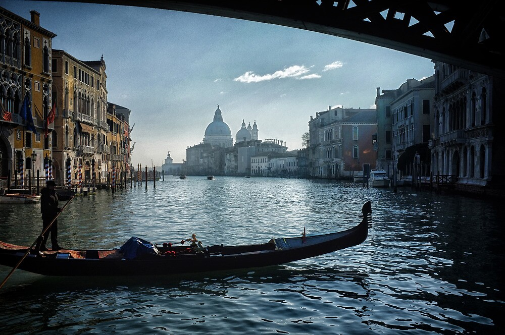 Sotto il ponte by Michael Carter
