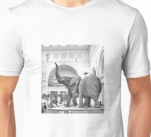 Chicago's Famous Elephants (Stanley Field Hall) T-Shirt