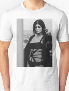 Kylie Jenner BW 5 Unisex T-Shirt