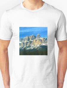 Mountains in Banff canada Unisex T-Shirt