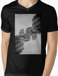 London Double #1 Mens V-Neck T-Shirt