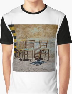 Three Chairs solarized Graphic T-Shirt
