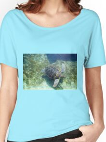 Green sea turtle (Chelonia mydas) swimming.  Women's Relaxed Fit T-Shirt