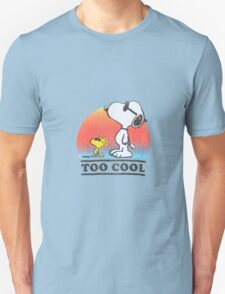 """Peanuts """"too cool"""" snoopy Unisex T-Shirt"""