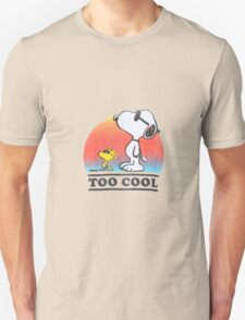 "Peanuts ""too cool"" snoopy Unisex T-Shirt"