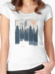 A Fox in the Wild... Women's Fitted Scoop T-Shirt