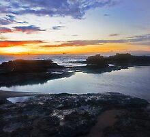 Entracne point sunrise  by Elliot62