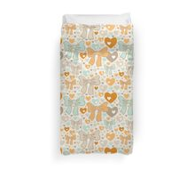 Seamless pattern with bows and hearts. Duvet Cover