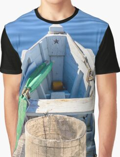 Bow of the boat with the star. Graphic T-Shirt