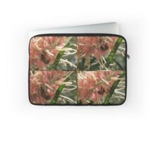 Bee time Laptop Sleeve