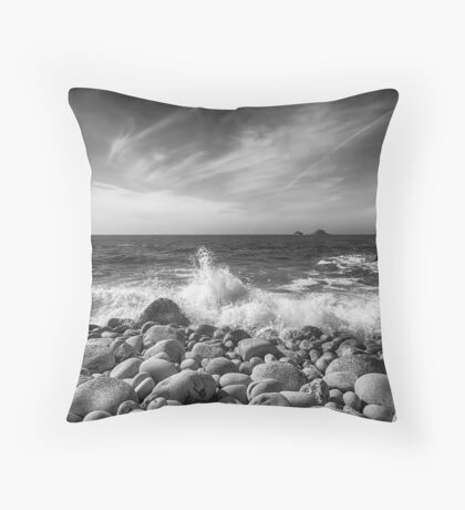 Cot Valley Porth Nanven 5 Black and White Throw Pillow