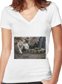 White tiger Women's Fitted V-Neck T-Shirt