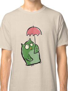 owl in the rain Classic T-Shirt