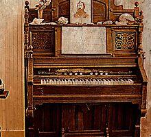Antique Organ. Yaquina Lighthouse. Salem, Oregon by trueblvr