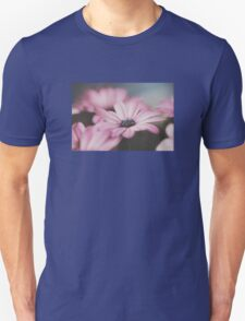 Light pink African Daisy Unisex T-Shirt
