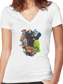 hotel horror Women's Fitted V-Neck T-Shirt