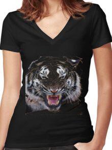 Tigr3 Women's Fitted V-Neck T-Shirt
