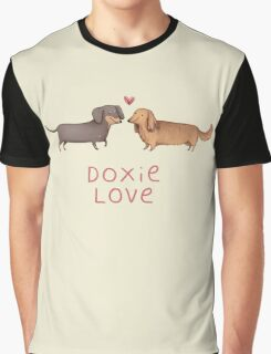 Doxie Love Graphic T-Shirt