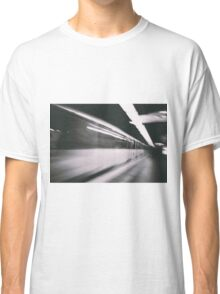 Train photo design by LUCILLE Classic T-Shirt