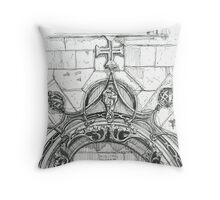 Mosteiro da Batalha sketch Throw Pillow