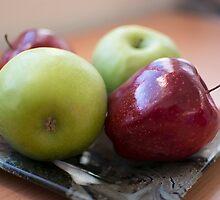 Apples  by AmazingDoom