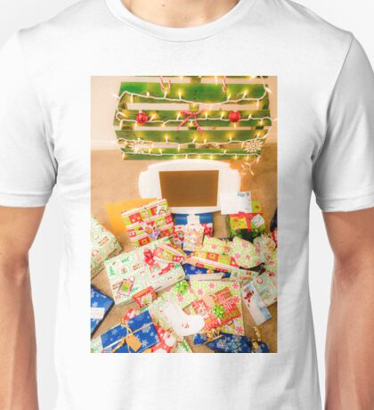 Christmas presents under an ecological, reusable Christmas tree  Unisex T-Shirt
