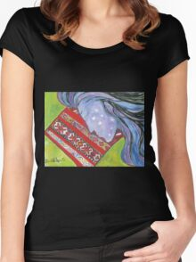 Sleeping Amina Women's Fitted Scoop T-Shirt