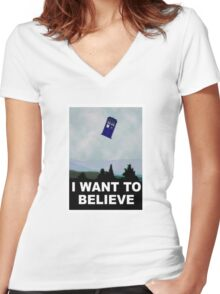 """""""I Want To Believe"""" Police Public Call Box version.  Women's Fitted V-Neck T-Shirt"""