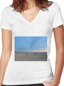 Endless Dunes Women's Fitted V-Neck T-Shirt