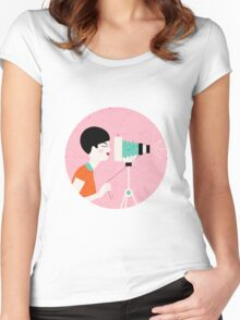 say cheese! retro style woman behind vintage camera Women's Fitted Scoop T-Shirt