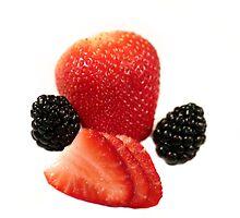 Strawberry Blackberry by Henrik Lehnerer