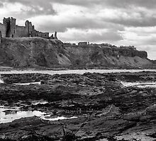 Tantallon Castle by Jeremy Lavender Photography