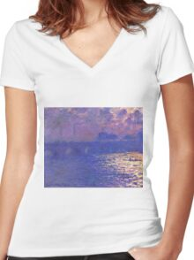 Claude Monet - Waterloo Bridge.  Sunlight Effect , Impressionism Women's Fitted V-Neck T-Shirt