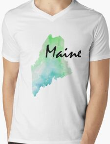Maine with word Mens V-Neck T-Shirt