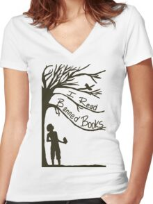 I Read Banned Books Women's Fitted V-Neck T-Shirt