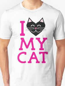 I love my cat! (pink letters) T-Shirt