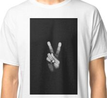 The letter V of sign language Classic T-Shirt