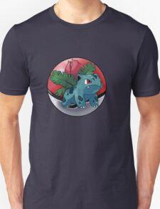 ivysaur pokeball - pokemon T-Shirt