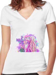 La Dolce Vita  Women's Fitted V-Neck T-Shirt