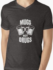 Mugs Not Drugs! St Patricks Day Irish T-Shirt Mens V-Neck T-Shirt